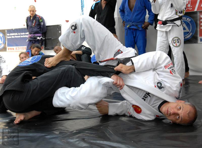 Photo by Seymour Yang, featured in Artemis BJJ Bristol Brazilian Jiu Jitsu Interview with Ricardo de la Riva in action3
